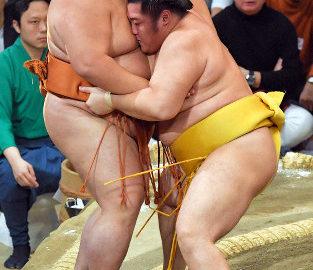 御嶽海VS遠藤